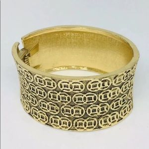 Statement bracelet circles geometric gold tone